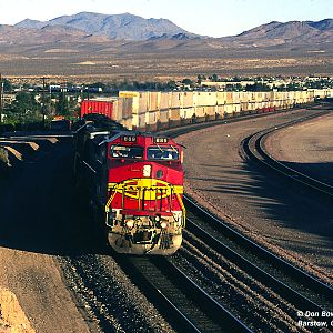 ATSF 889 west at E. Barstow