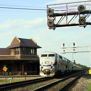 Amtrak's Palmetto speeds through the Carolinas