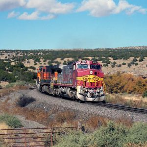ATSF 929 eastbound at Scholle in 2004
