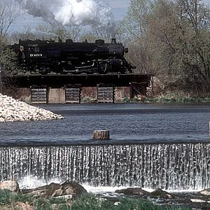 Soo Line 1003 crossing the Rock River