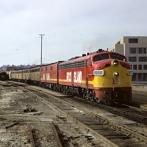 6 E units on freight