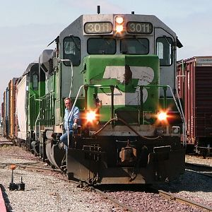 BNSF 3011 working local duty