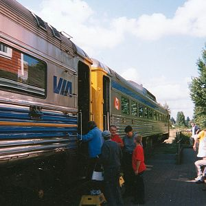 Loading passengers at Courtenay