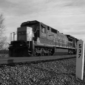 CSX 7598 Northern Sub, Black and white