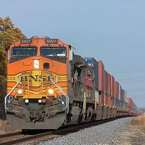 BNSF 5027 at Coal City