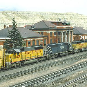 SD40-2s at Green River, Wyoming