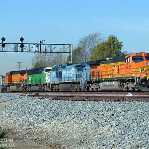 BNSF 5485 - East bound through Basta