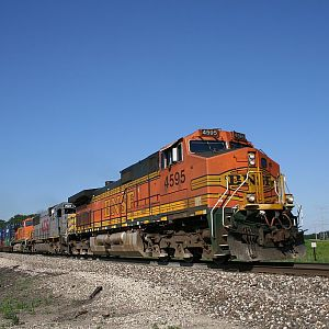 BNSF 4595 at Coal City