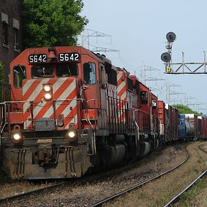 CP 435 with SD40-2's !