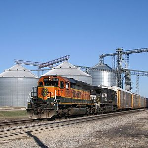 BNSF Ex-CN SD40-2 7322 at Ransom