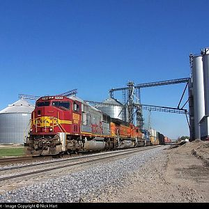 Santa Fe Warbonnet SD75M 8208 at Ransom, Illinois