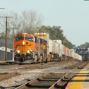 BNSF 7627 rolls up the hill