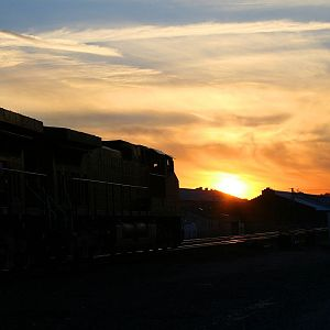 BNSF 5198 heads west into the setting sun.