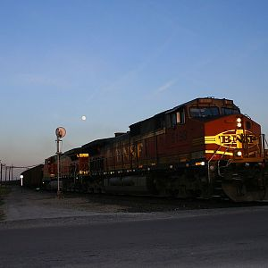 The moon rises over BNSF 5198.