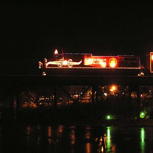 CP Holiday Train crosses the Wisconsin River