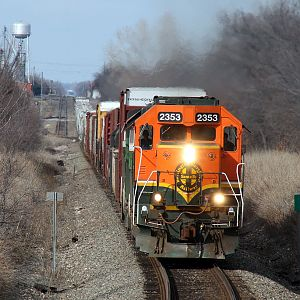 Short Manifest on the BNSF Red Rock Sub.