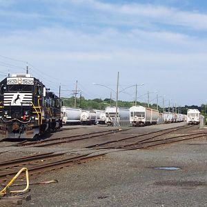 NS 5620 in Yard