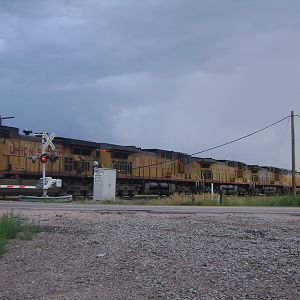 UP 6 unit moving south through Fountan ,CO