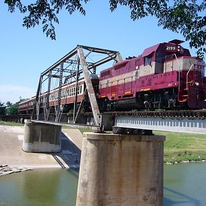 GVRR 2199 GP7 West Fork Trinity River Bridge