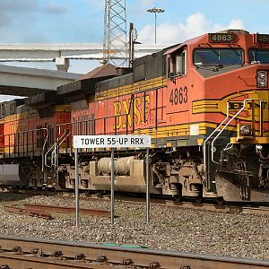 BNSF 4863 GE C44-9W Tower 55 Fort Worth