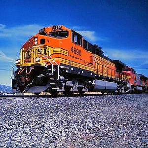BNSF Climbs the Loop