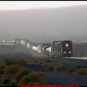 BNSF 560 leads the Cadiz Local out of Ludlow, CA