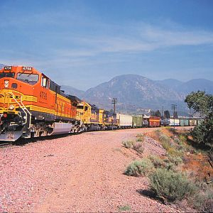 BNSF Heading Through Cajon Station