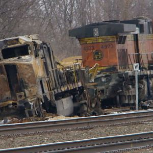 BNSF DERAILMENT UP CLOSE