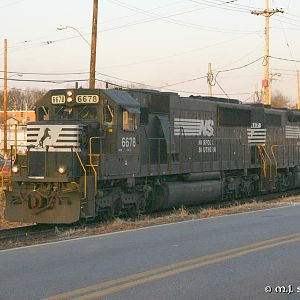 NS 391 at Sunset - NS 6678 - SD60 - M.J. Scanlon