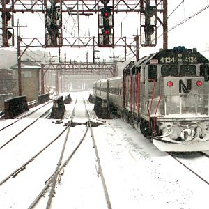 Winter EastBound GP40FH