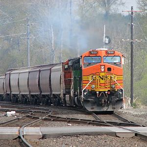 BNSF 7650 Southbound