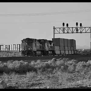 BNSF on the transcon near Helendale, Ca