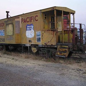 Old Union Pacific Caboose 25884