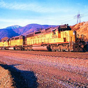 Union Pacific Hauls the Stacks