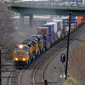 Eastbound Intermodal at The Dalles