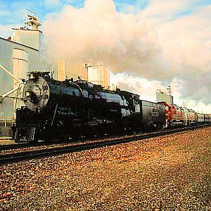 SF #3751 & California Limited through Victorville