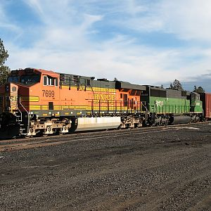 BNSF 7699 and 8139