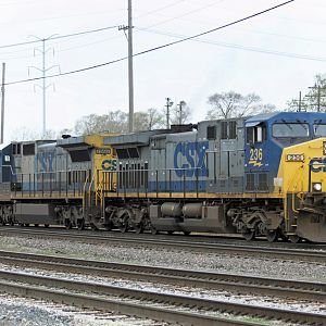 CSX Q324 AC4400CW east on CSX at Dolton, IL