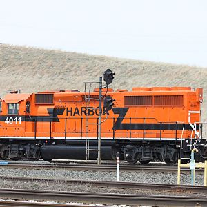 IHB EB train 126 At Burns Harbor, Indiana (coming into CP 487)