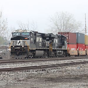 NS WB intermodal Porter, IN