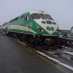 GO's MP40PH-3C's Idling in the snow at Oshawa