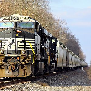 NS 42K (load grain) southbound train