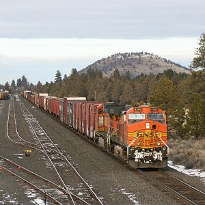 BNSF 4566 South at Bend, OR