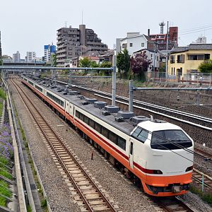 JR-East series 485 at Otsuka