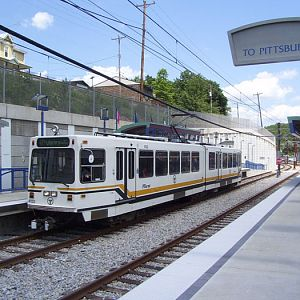 Older LRV at Memorial Hall Sation
