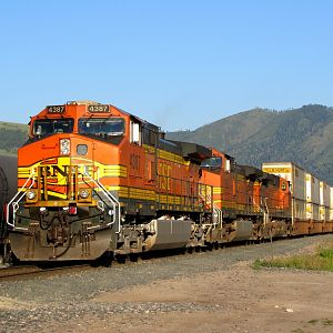 BNSF Z train at Missoula, MT