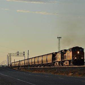 BNSF 5258 at Sunset
