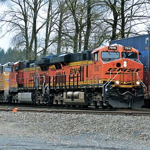 BNSF 7915 WB at Goldbar, WA