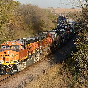 BNSF 8321 Running West of Red Oak, IA
