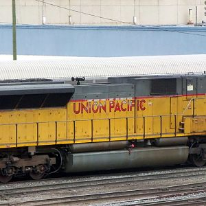 UP 8019 SD9043MAC